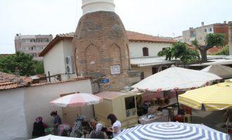 Akhisar'da bu yıl Kadir Gecesi İnce Minare ve Çarşamba Pazarında düzenlenecek