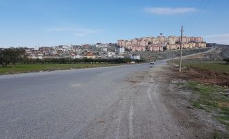 Akhisar'da Kaçak Dökülen Molozlar Temizlendi