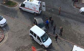 Kaza sonrası araçtan zor çıkartıldı
