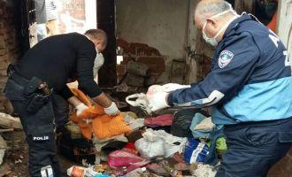 Akhisar'daki çöp evin temizlenmesinde sona gelindi