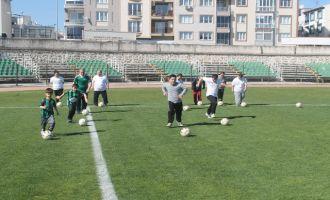 Akhisarlı özel çocuklar, Uluslararası Down Plaj Futbolu Festivaline hazırlanıyor