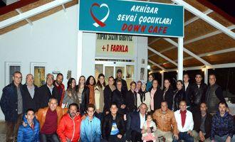 Akhisarspor Taraftarları Derneği, Down Cafe'yi ziyaret etti