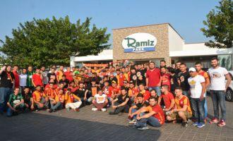 Akigo'lardan Galatasaraylı taraftarlara dostluk yemeği