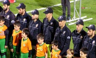 Alanyaspor - Akhisar maçında Asker ve Polise destek
