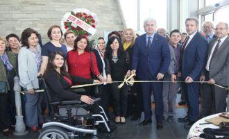 Belediye Başkanı Salih Hızlı, El Sanatları ve Nakış Sergisini açtı