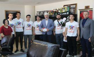 Çağlak koşucularından Belediye Başkanı Salih Hızlı'ya teşekkür