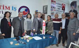 CHP İlçe Teşkilatından Öğretmenler Günü Ziyaretleri