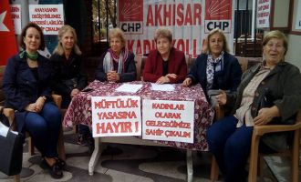 CHP Kadın Kolları Müftülere Verilen Nikah Kıyma Yetkisini Protesto Etti