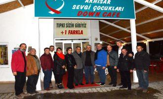 Kahveciler Odası başkanı Erkin Güney, Down Cafe'yi ziyaret etti