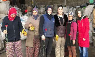 Kaya AŞ Kadınlar gününde karanfil dağıttı