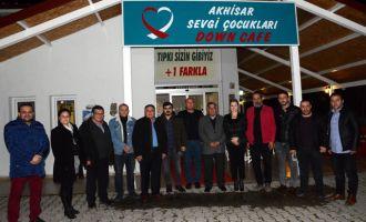 Lokantacılar Odası başkan adayı Güney, Down Cafe'yi ziyaret etti