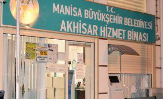 Manisa Büyükşehir Akhisar Binasına taşlı saldırı