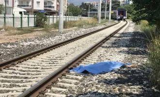 Trenin çarptığı 14 yaşındaki çocuk öldü