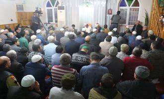 Mevlit Kandilinde Akhisar'da Camiler Doldu