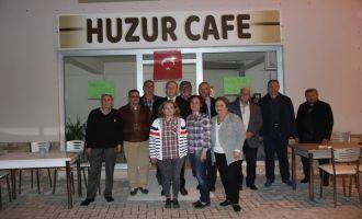 MHP İlçe Teşkilatı Huzur Kafe'yi Ziyaret Etti