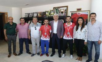 Milli Tekvandocular, Belediye Başkanı Salih Hızlı'nın konuğu oldu
