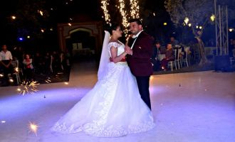 Pervin ile Hasan Ali 'Ütopia Wedding' dedi