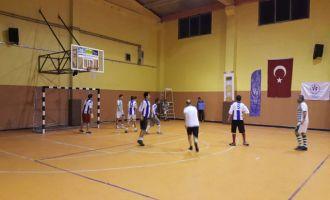 Satır Mustafa ve Taksi Zeki 2. Futsal Turnuvasında heyecan dorukta