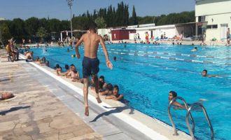 Sıcak Eylül ayında serinlemek için Gülbeyaz Olimpik yüzme havuzunu tercih edin