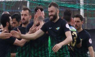 Yumlu, Akhisar Belediyespor'da ilk maçına çıktı