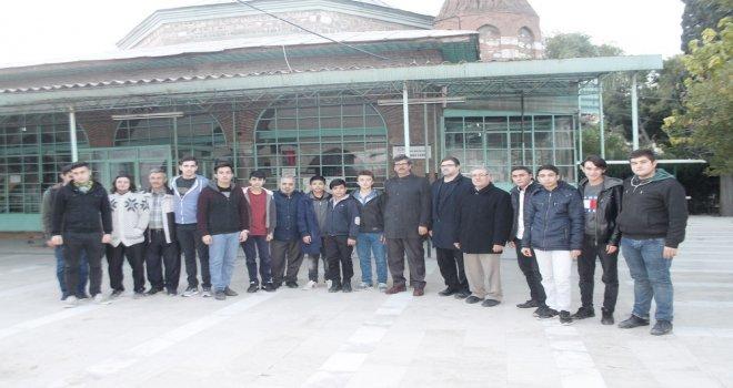 Yeni Gülruh Cami Seher Vaktinde Doldu Taştı